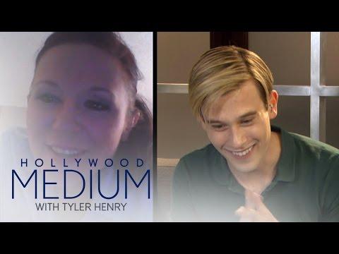 "Tyler Henry Reads a Lucky ""Hollywood Medium"" Fan | Hollywood Medium with Tyler Henry | E!"