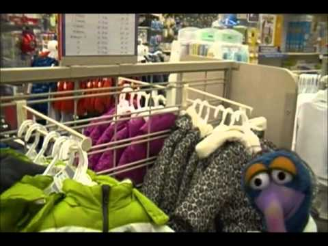 Gonzo At Toys R Us.wmv