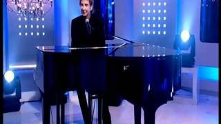 Barry Manilow - Bring On Tomorrow  On This Morning with Phil & Hollie 14/03/11