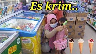 Download ASIKK..!!! beli es krim teman-teman..