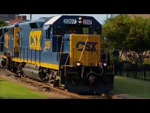 [CSXT]2297 ROAD SLUG EX-C&O/RBLT MK & 6426 EMD GP40-2 Leads F736-14 With Long Train Fay NC