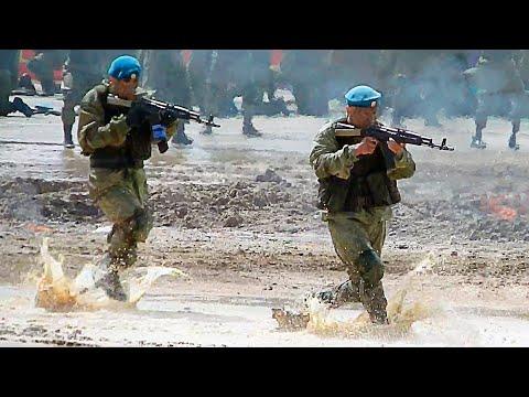 90 лет ВДВ! Эффектные показательные выступления десантников ВДВ: стрельба, взрывы, рукопашный бой