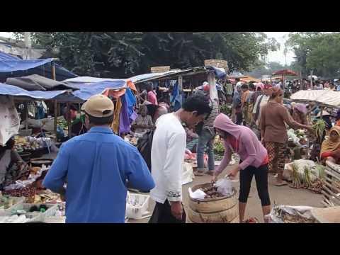 Lombok market (Indonesia)