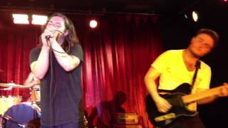 Video Kurt Travis - Desperate download MP3, 3GP, MP4, WEBM, AVI, FLV Agustus 2018