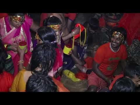 HINDUISM WOMEN HOLY BATH IN SUNDARIJAL BOLBOM DHAM BAGMATI RIVER PASHUPATI NATH SALI NADI