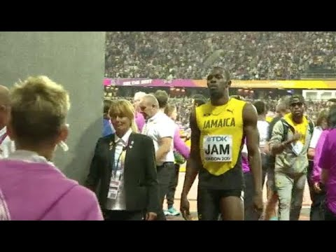 Bolt pulls up injured as Britain win 4x100m relay