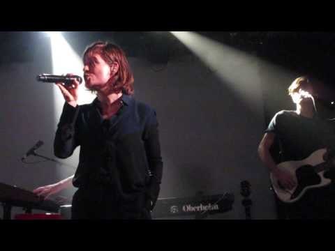 "Christine and the Queens - ""IT"" (Live in Boston)"