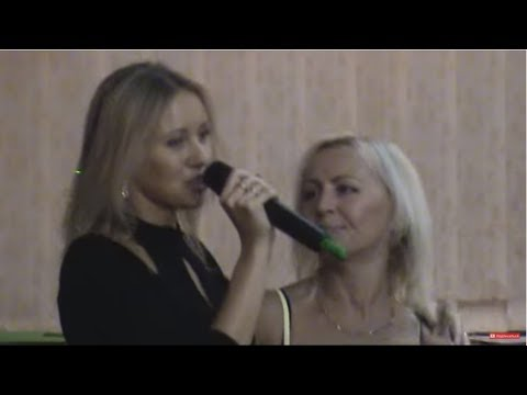 Первое видео V.Viktoria ||  Вика поёт для мамы на ДР 50 лет