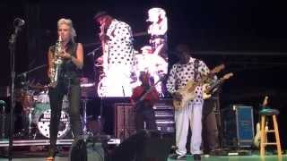Buddy Guy & Mindi Abair play together at the Clearwater Jazz Holiday 2015