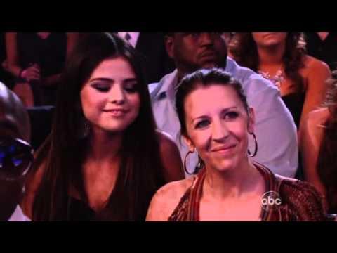 Justin Bieber on Billboard Music Awards + Jelena kisses