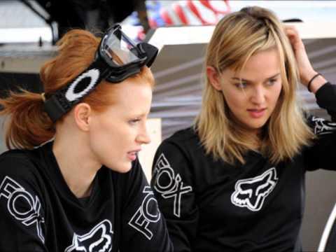 Jessica Chastain & Jess Weixler