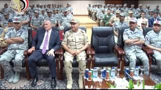 """بالفيديو.. وزير الدفاع يتفقد كابينة """"الرافال"""""""