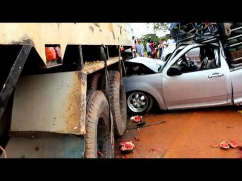 คลิปภาพอุบัติเหตุรถชน กม 10 ท่าโรงช้าง สุราษฎร์ธานี