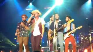 [HD] Bruno Mars Live In Hong Kong - Treasure + Intro (30/3/2014)