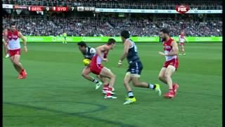 Steve Motlop snaps a beauty - AFL