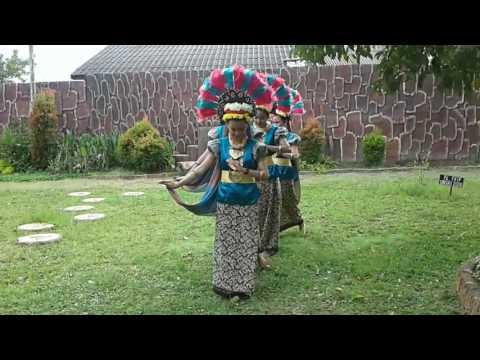 Tari layar batuta SMA 16 Palembang