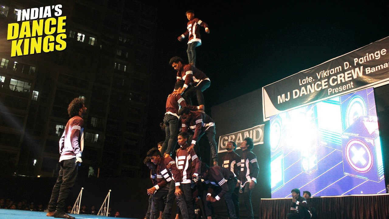 Crew with amazing Tricks - Showcase - India's Dance Kings - 009