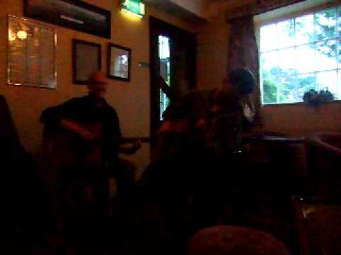 "Eunan Michael and co.,cover ""Peaches and Cream"""