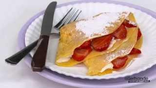 Honingomeletjes met aardbeien - Allerhande