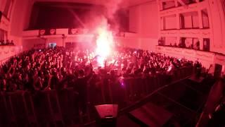 Dezaztre Natural  (Sepultura en Santiago Chile, Octubre 2017, Teatro Cariola) Extracto bengala