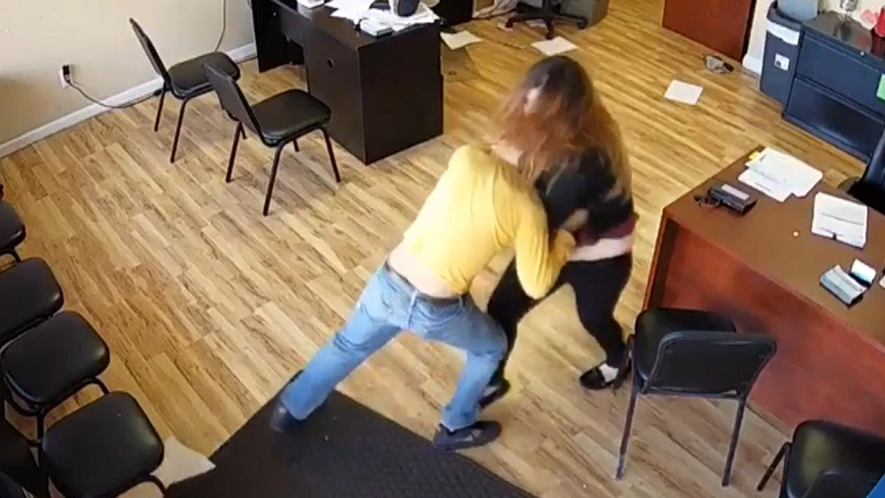Download Woman Fights Back After Man With Knife Attacks