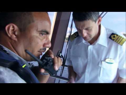 Mighty Ship Quantum of the Seas Martinique / DOCKING