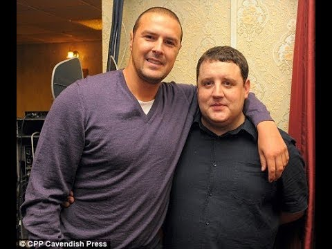 Vernon Kay with Peter Kay Paddy McGuinness Chris Moyles at the Phoenix Nights Club 10.10.2009