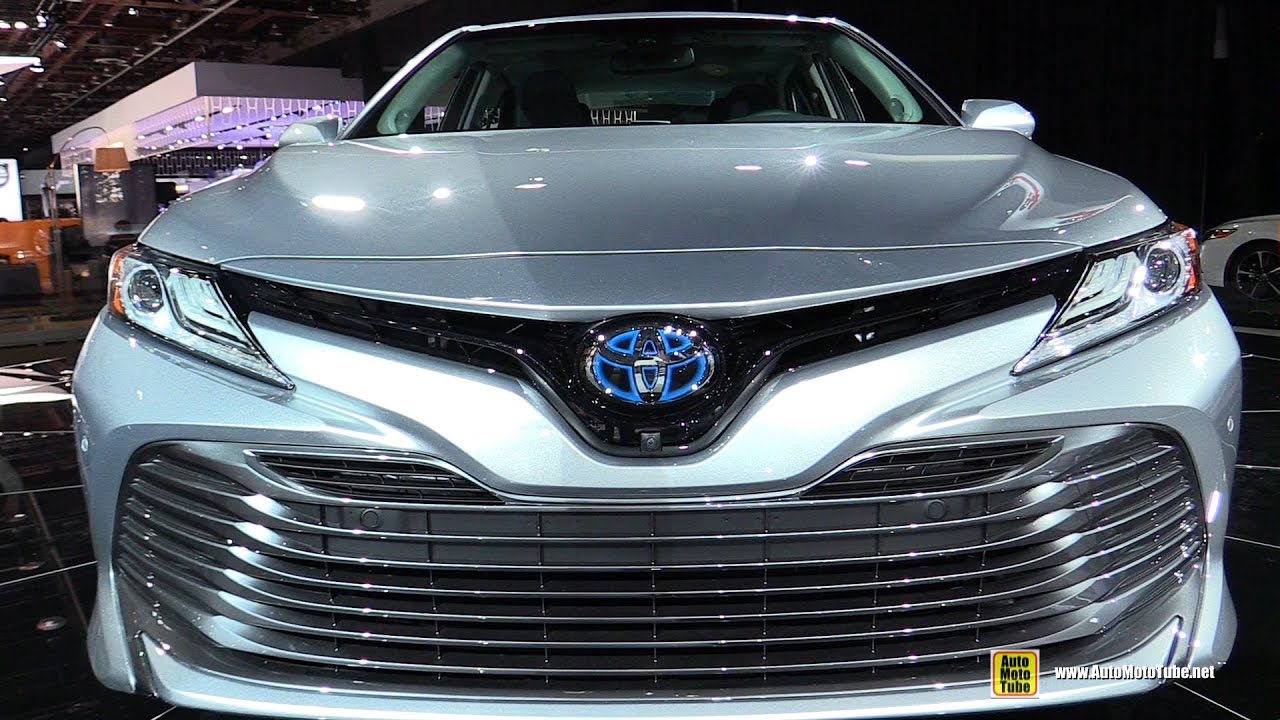 2018 Toyota Camry Hybrid Exterior And Interior Walkaround 2017 Detroit Auto Show You