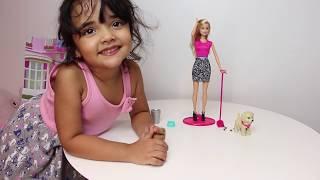 Brincando de Barbie e Cachorrinho com BIA LOBO