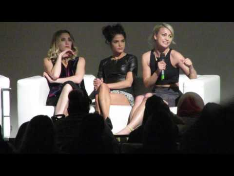 Spacewalker convention Jessica Harmon, Marie Avgeropoulos  et Chelsey Reist  panel