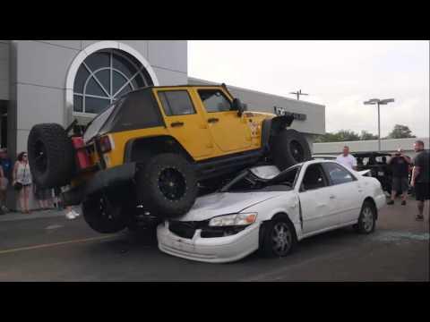 Gladstone Dodge Chrysler Jeep RAM Jeep Night Customer Event