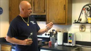 HOW TO MAKE A RUM AND COKE