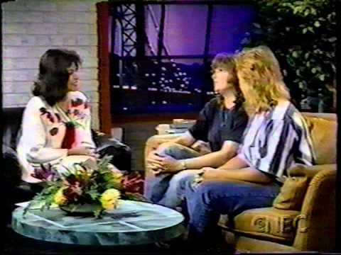 indigo girls: 1992-04-22 three hits - real life