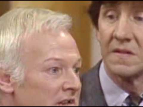 Are You Being Served Se 10 Ep 3   The Hold Up