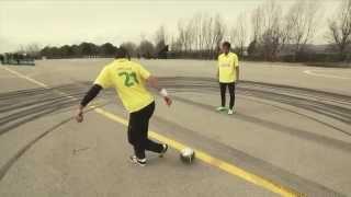 Castrol Fookhana: Séan Garnier teaches  Neymar JR  some new skills / @seanfreestyle