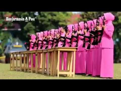 Parede Senjata Para ibu-ibu bhayangkari di Mako Brimob Polda Kalsel Mp3