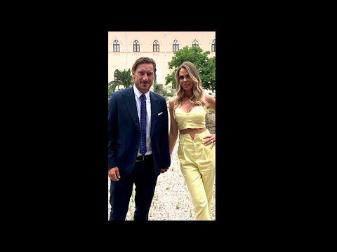 Ilary Blasi con Totti alle nozze della sorella Silvia: STORIES