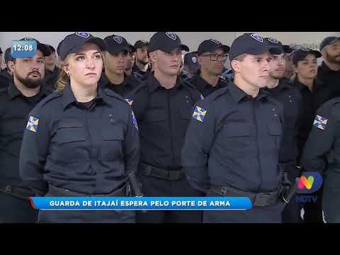 Agentes da guarda de Itajaí esperam pelo porte de arma