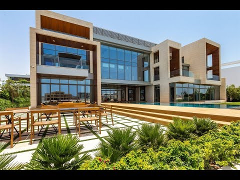 Distinguished Waterfront Villa in Dubai, United Arab Emirate