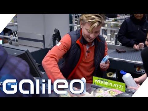 Der harte Jobs eines Kassierers | Galileo | ProSieben