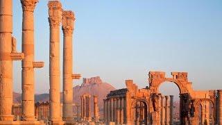 أهالي بصرى الشام وثورها يحمون الآثار التاريخية من داعش والنظام