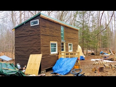 Off grid tiny house made from recycled materials cheap for House made by waste material