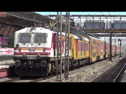 Double Decker Ac Express cruising through Santacruz, Mumbai | Indian Railways
