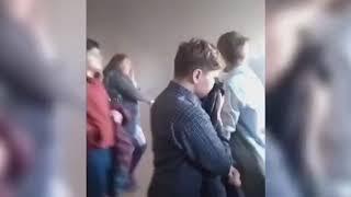 Пожар в школе 33 Владивостока. Дети не могут выбраться