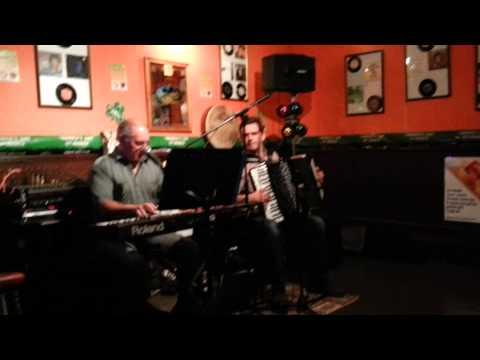 Foley's Irish Bar, Oban. Crazy Ceilidh Duo