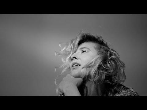 Смотреть клип Lissie - Dreams