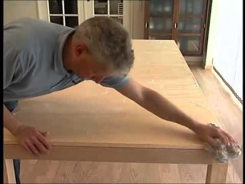 rengøring af egetræsbord