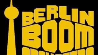 Berlin Boom Orchestra: Ein Grinsen
