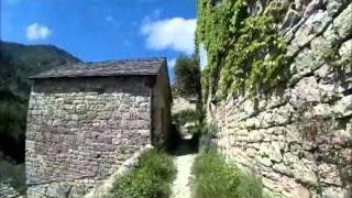 Randonnée direction Hauterives et son château