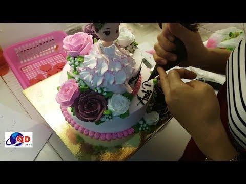 Bánh sinh nhật 2 tầng trang trí với búp bê cực đẹp (10)   Foci